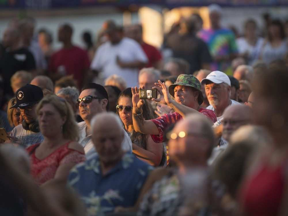 A large crowd was on hand for the third night of the LiUNA Bluesfest Windsor at the Riverfront Festival Plaza, Saturday, July 14, 2018. DAX MELMER / WINDSOR STAR